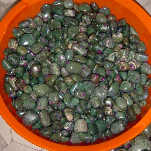 ruby-fuchsite-tumbled-1